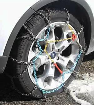 Cómo colocar las cadenas del coche para la nieve.