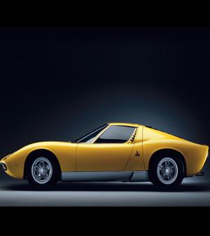 Lamborghini Miura (1966/1973) El GT más bello del mundo.